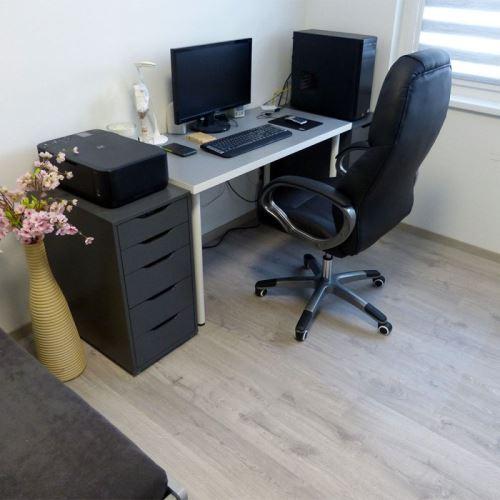 Ochranná podložka pod židli na hladké podlahy - samolepící