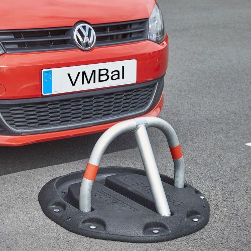 Parkovací zábrana s pryžovou základnou – odolnost 20 t