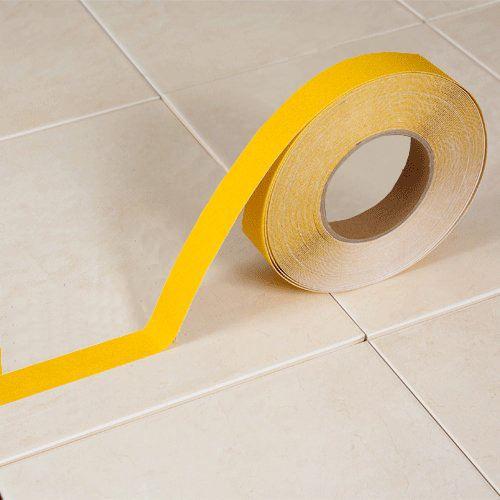 Protiskluzová páska korundová ŽLUTÁ  2,5 cm x 18 m