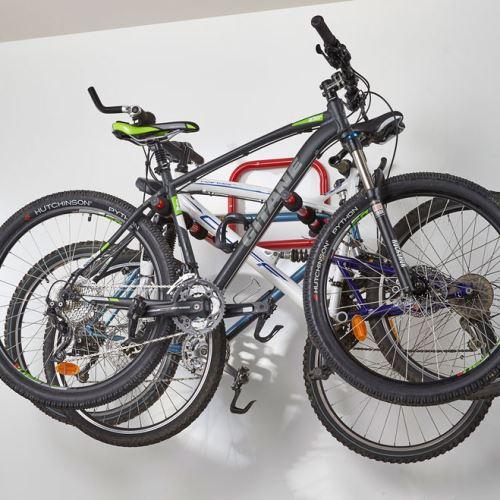 Stěnový držák  jízdních kol - pro 3 kola