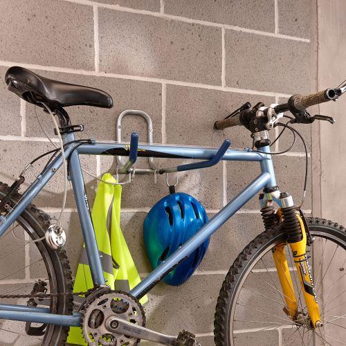 Sklopný stěnový držák pro jízdní kolo